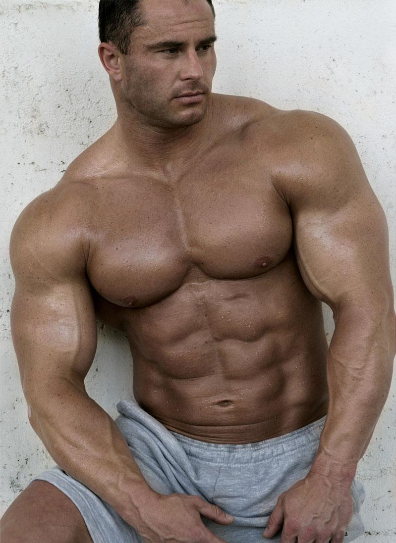 hot naked men bodybuilder